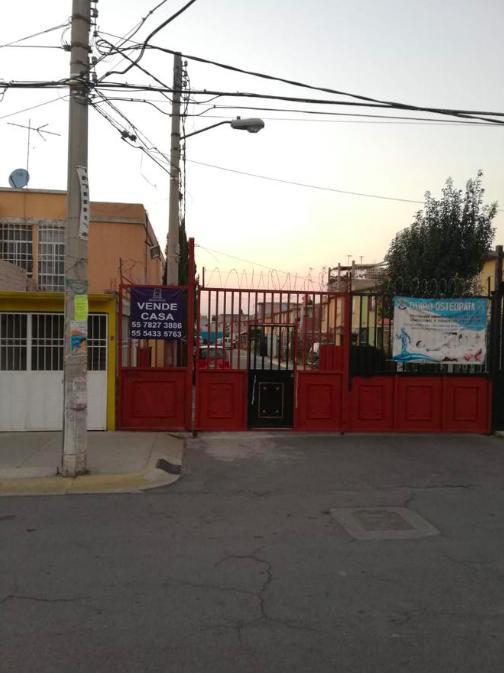 Foto Casa en Venta en  Ciudad Galaxia los Reyes,  Chicoloapan  Los Reyes San Vicente Chicoloapan