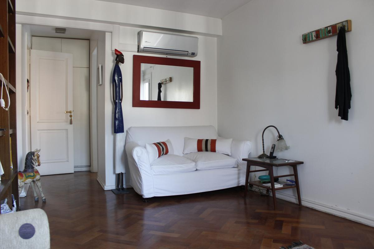 Foto Casa en Venta en  Acas.-Libert./Solis,  Acassuso  José C Paz  al 200