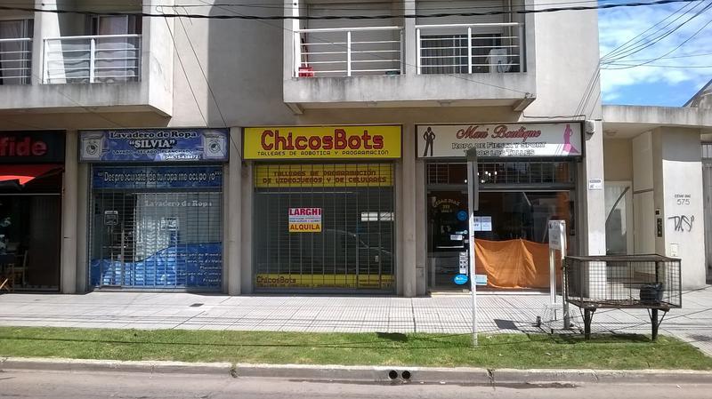 Foto Local en Alquiler en  Esc.-Centro,  Belen De Escobar  Cesar Diaz  575, local 4