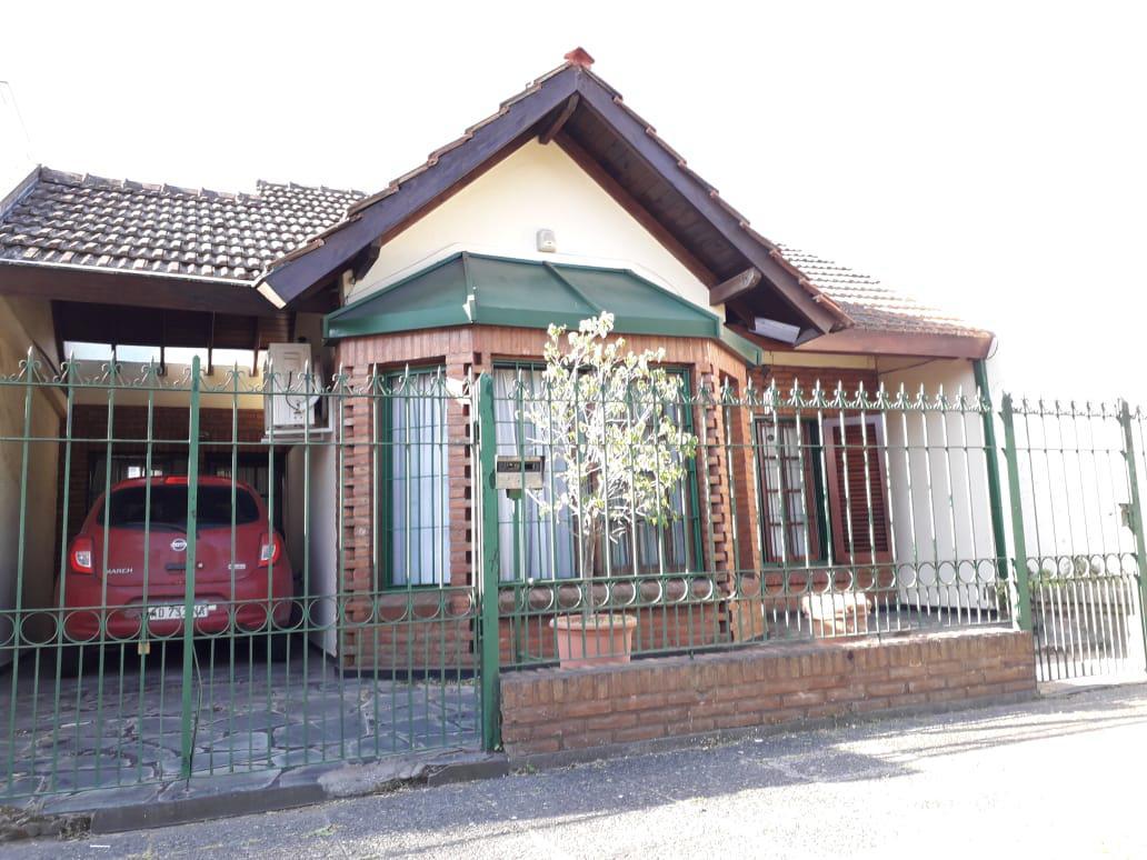 Foto Casa en Venta en  Ituzaingó Norte,  Ituzaingó  Alvear al 700