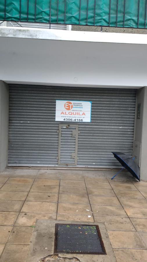 Foto Local en Alquiler en  Barracas ,  Capital Federal  Luzuriaga 30
