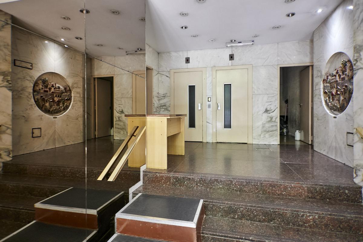 Foto Departamento en Venta en  Balvanera ,  Capital Federal  viamonte al 2700