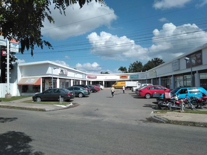 Foto Local en Renta en  Mérida ,  Yucatán  Local #8 De 45 m2 En Plaza Xtabay Zona Macroplaza