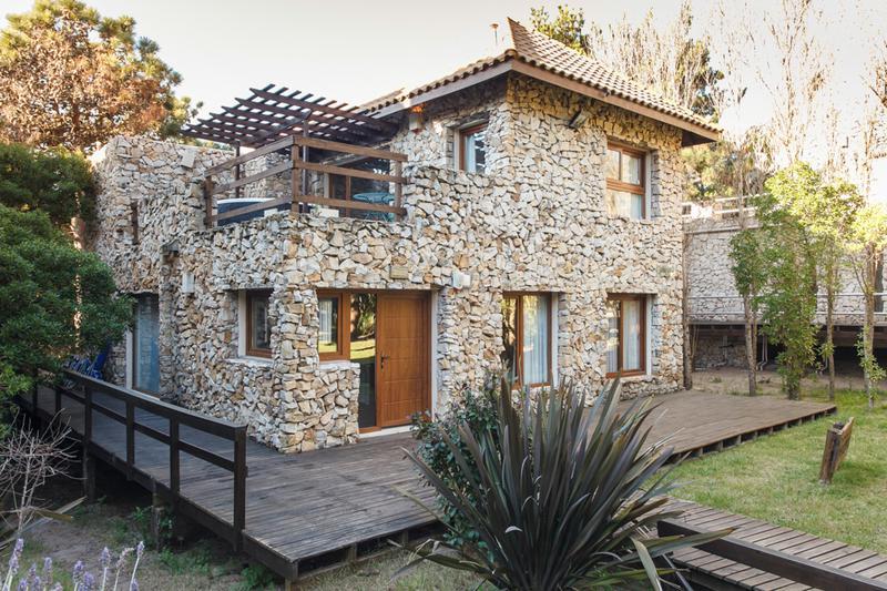 Foto Casa en Alquiler temporario en  Mar De Las Pampas ,  Costa Atlantica  Embestida