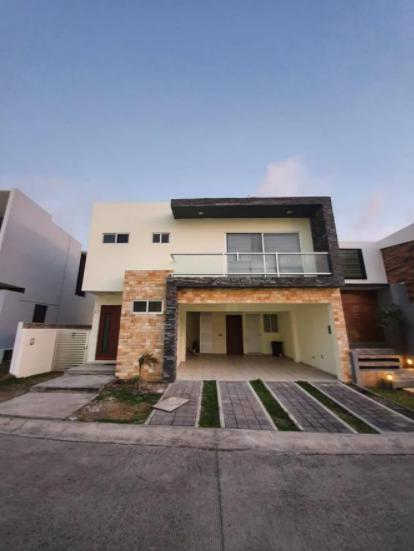 Foto Casa en Renta en  Punta Tiburón,  Alvarado  PUNTA TIBURON,  Casa en RENTA con ALBERCA y área de TV