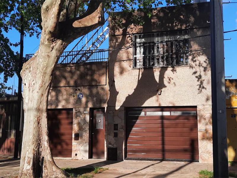 Teniente Agneta al 1100, Rosario, Santa Fe. Venta de Casas - Banchio Propiedades. Inmobiliaria en Rosario