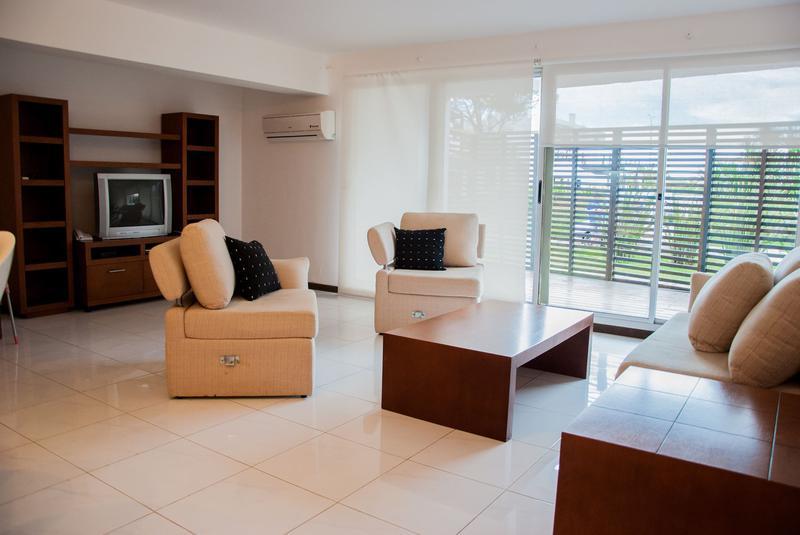 Foto Departamento en Alquiler temporario en  Punta del Este ,  Maldonado  Hermoso y Exclusivo Apartamento en Punta del Este Ubicado Frente a  la Playa Mansa