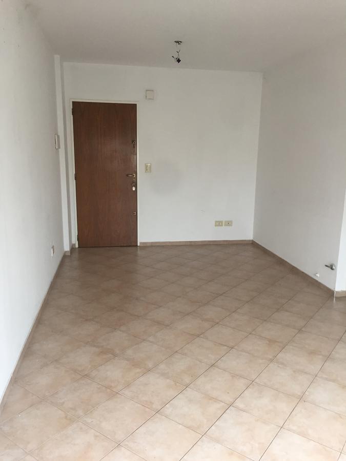 Foto Departamento en Alquiler en  Lomas de Zamora Oeste,  Lomas De Zamora  Saenz al 172