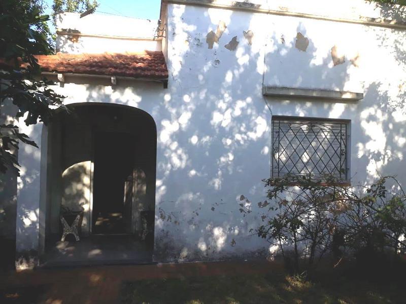 Foto Casa en Venta en  Lomas de Zamora Oeste,  Lomas De Zamora  Vetere 301