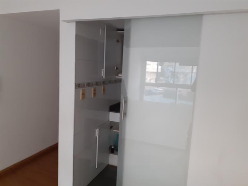 Foto Departamento en Alquiler en  Pocitos ,  Montevideo  Bv España, cerca Ombú, mono o profesional