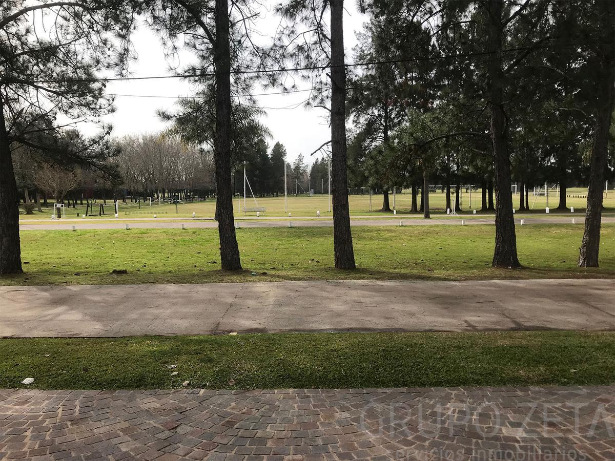 Foto Casa en Venta en  Venado,  Countries/B.Cerrado (E. Echeverría)  Sargento Cabral al 4600