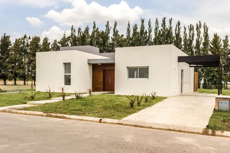 Foto Casa en Venta en  Santa Ines,  Countries/B.Cerrado  lote 104 santa Ines -Financia-