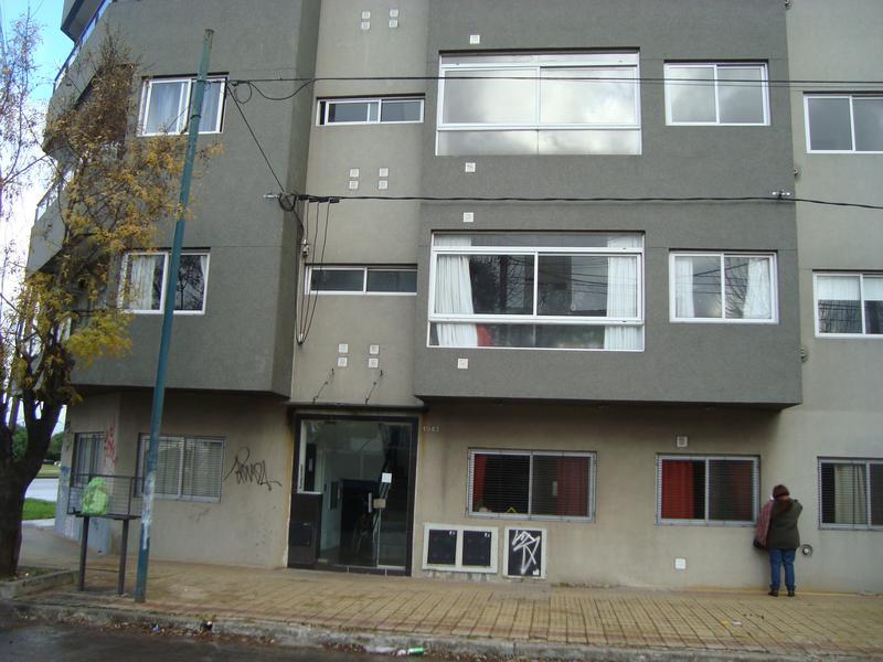 Foto Departamento en Alquiler en  La Plata ,  G.B.A. Zona Sur  2 esquina 72