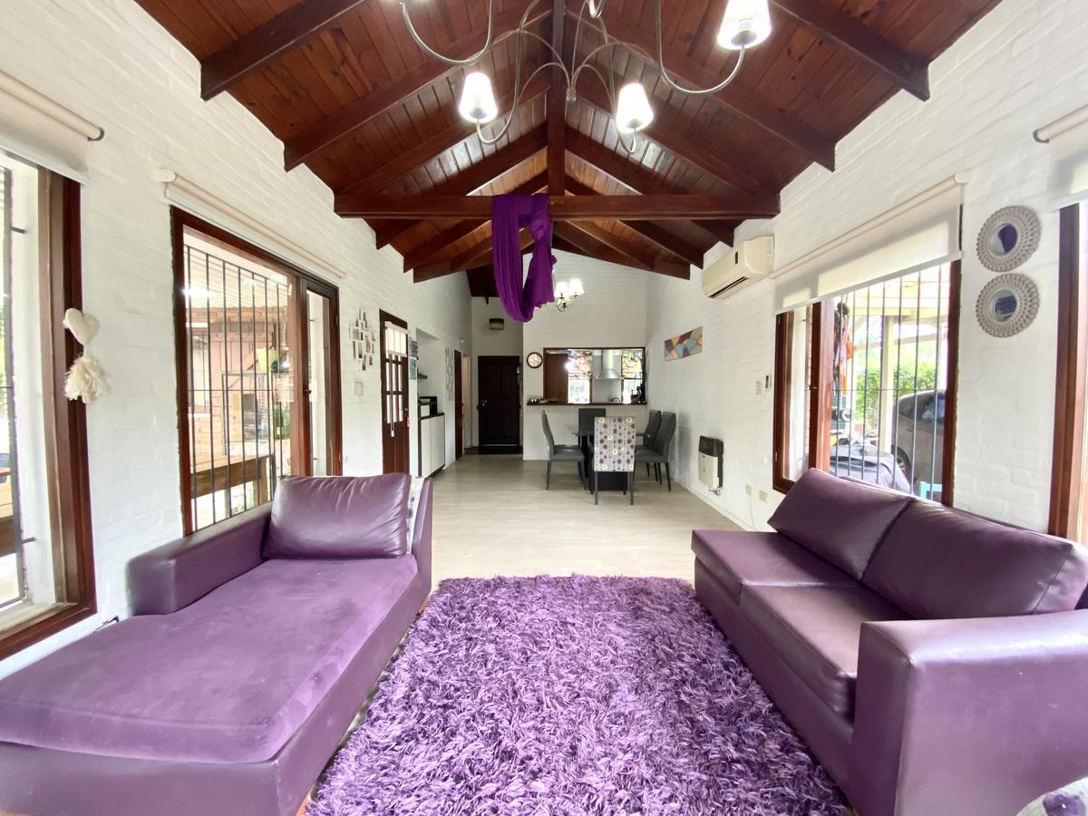 Casa de 3 dormitorios con pileta y parrillero - Aldea - Fisherton
