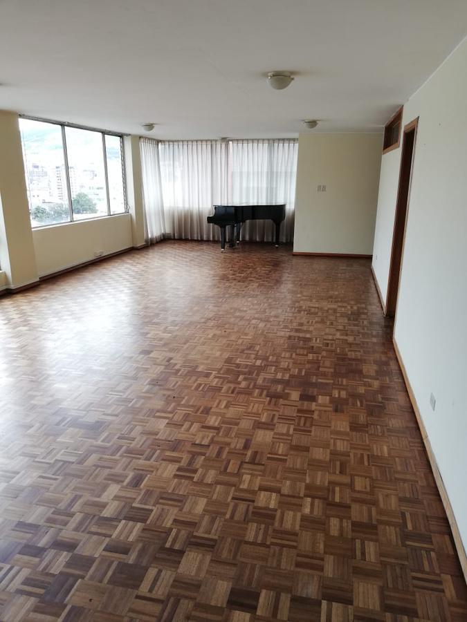Foto Oficina en Alquiler en  Quito ,  Pichincha  QUITO