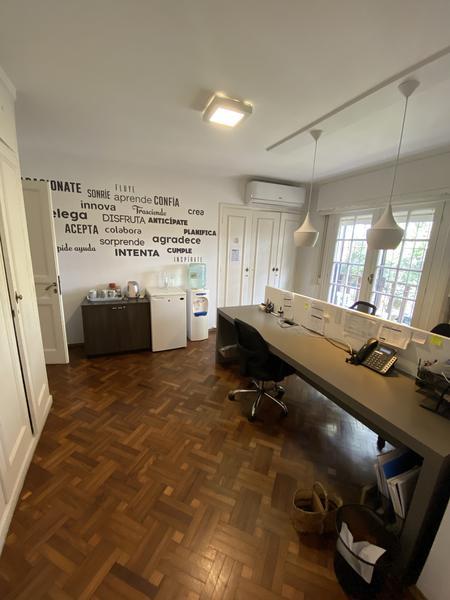 Foto Casa en Venta | Alquiler en  Carrasco ,  Montevideo  IDEAL EMPRESA, LISTA PARA ENTRAR