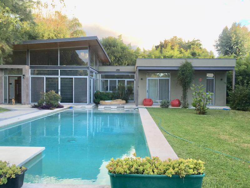 Foto Casa en Venta en  Barrio Parque Leloir,  Ituzaingo  Del Remedio al 1400