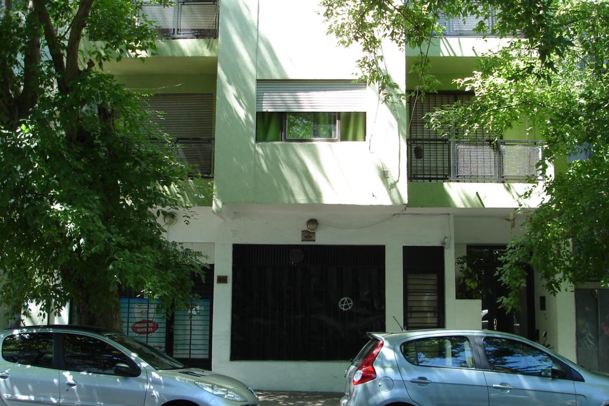 Foto Local en Venta en  La Plata ,  G.B.A. Zona Sur  2 Nº al 800