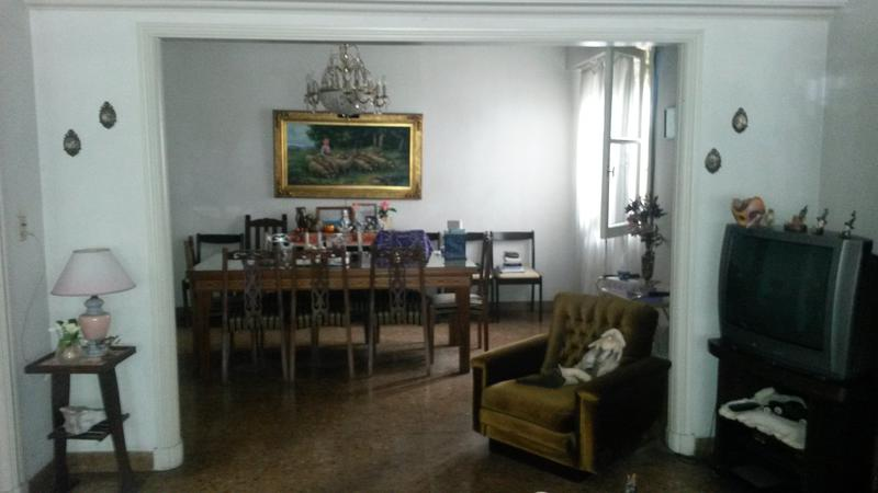 Foto Casa en Venta en  Moron,  Moron  Constituyentes al 700