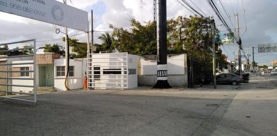 Foto Local en Renta en  Alfredo V Bonfil,  Cancún  BODEGA EN RENTA DE 650 M2 EN CANCUN EN AVE. COLOSIO EN PARQUE INDUSTRIAL