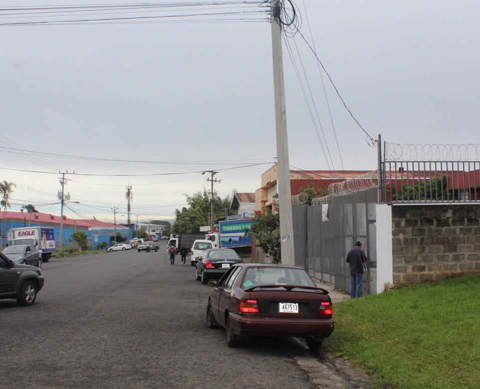 Foto Bodega en Renta | Venta en  Uruca,  San José  La Uruca, BODEGA  facilidad de descarga.