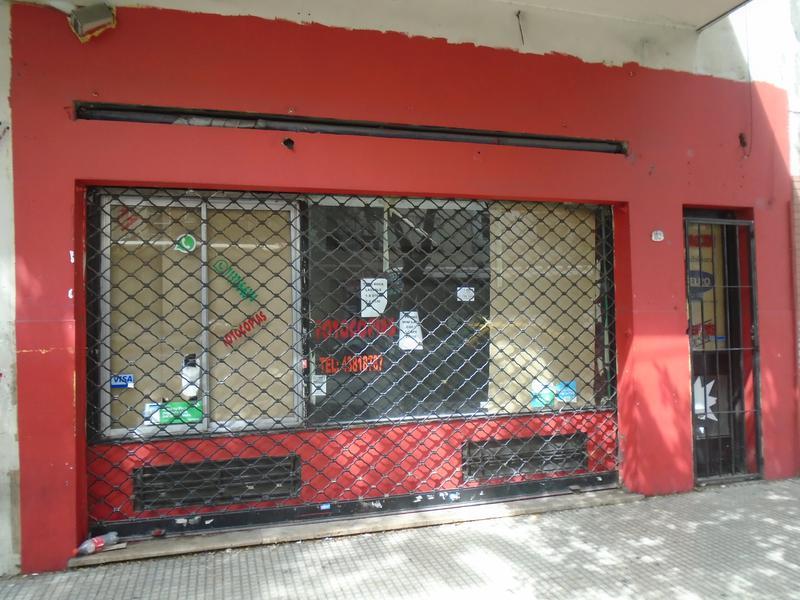 Foto Local en Alquiler en  Monserrat,  Centro (Capital Federal)  Belgrano   al 1100
