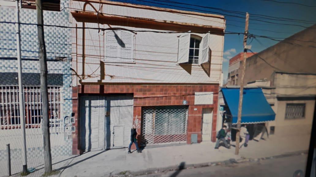 Foto Galpón en Venta en  Dock Sud,  Avellaneda  12 de Octubre 625