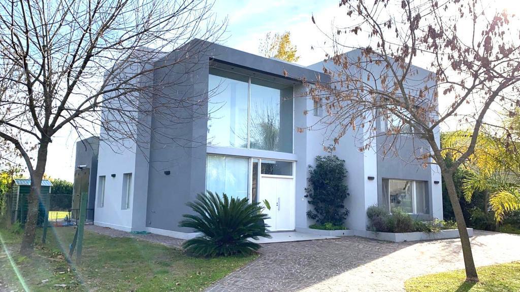 Foto Casa en Venta en  Los Sauces,  Countries/B.Cerrado (Pilar)  Los Sauces 5 ambientes