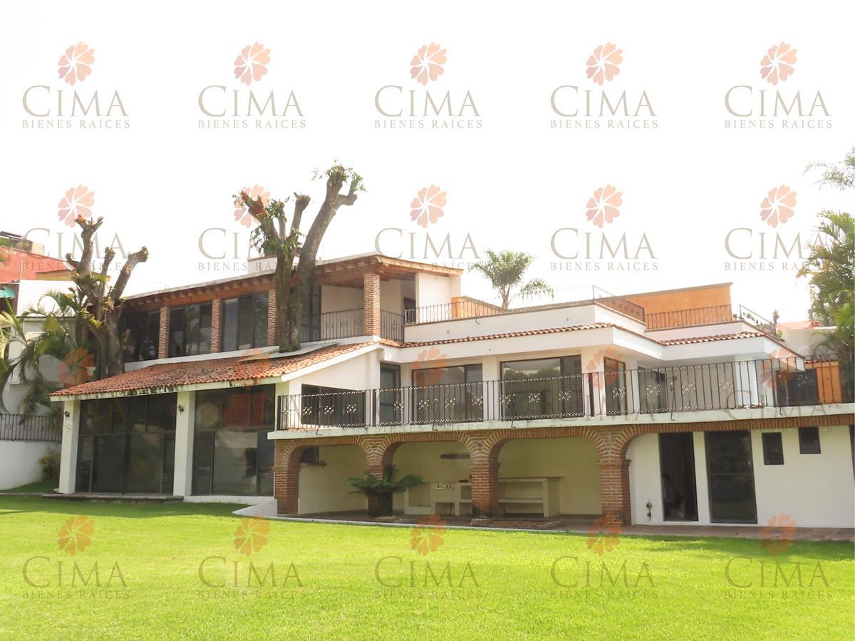 Foto Casa en Venta en  Fraccionamiento Lomas de Cortes,  Cuernavaca  Venta Casa Amplia con Alberca en Lomas de Cortes- V201