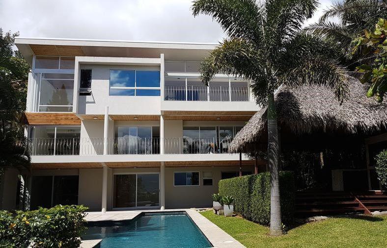Foto Casa en Renta en  Escazu,  Escazu  Casa en Escazú con Vista. Terreno 1190m2, Piscina