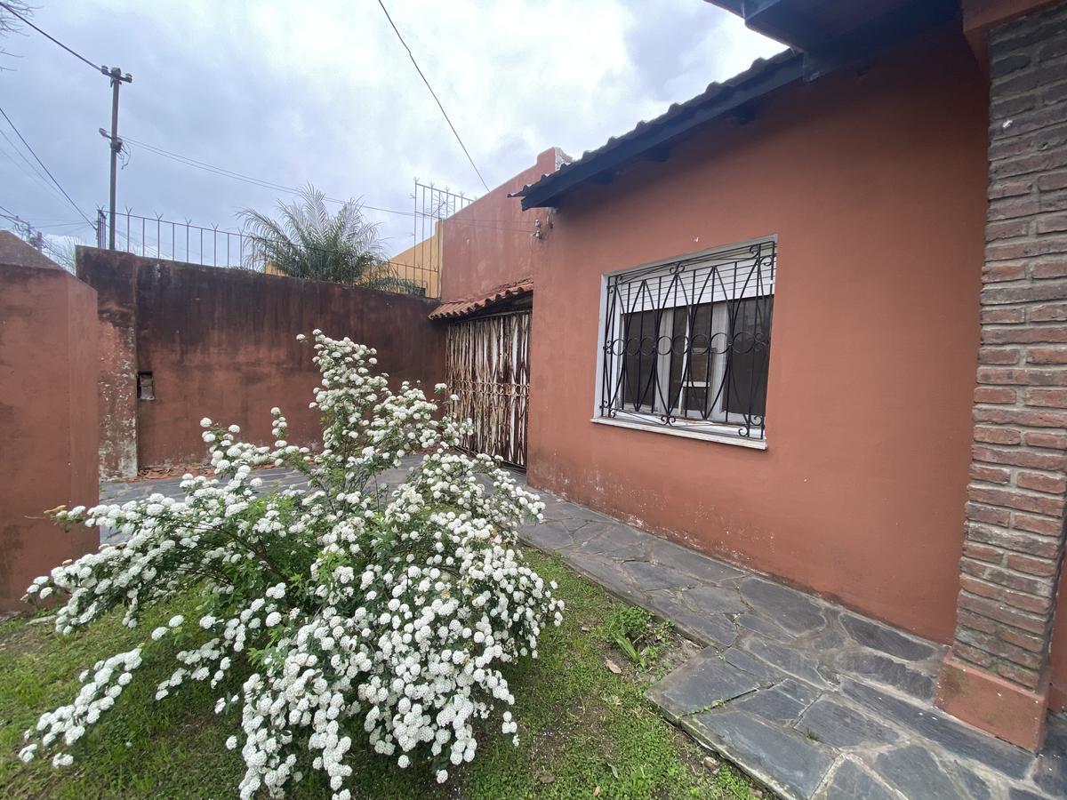 Foto Casa en Venta en  Wilde,  Avellaneda  PARAMARIBO al 6400
