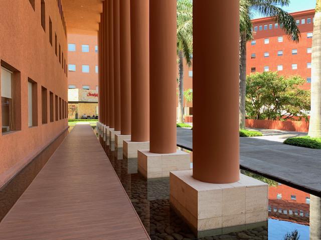 Foto Oficina en Renta en  Escazu ,  San José  Escazú/ Plaza Roble/ Optimización de Costos/ Eliminación del capital inicial