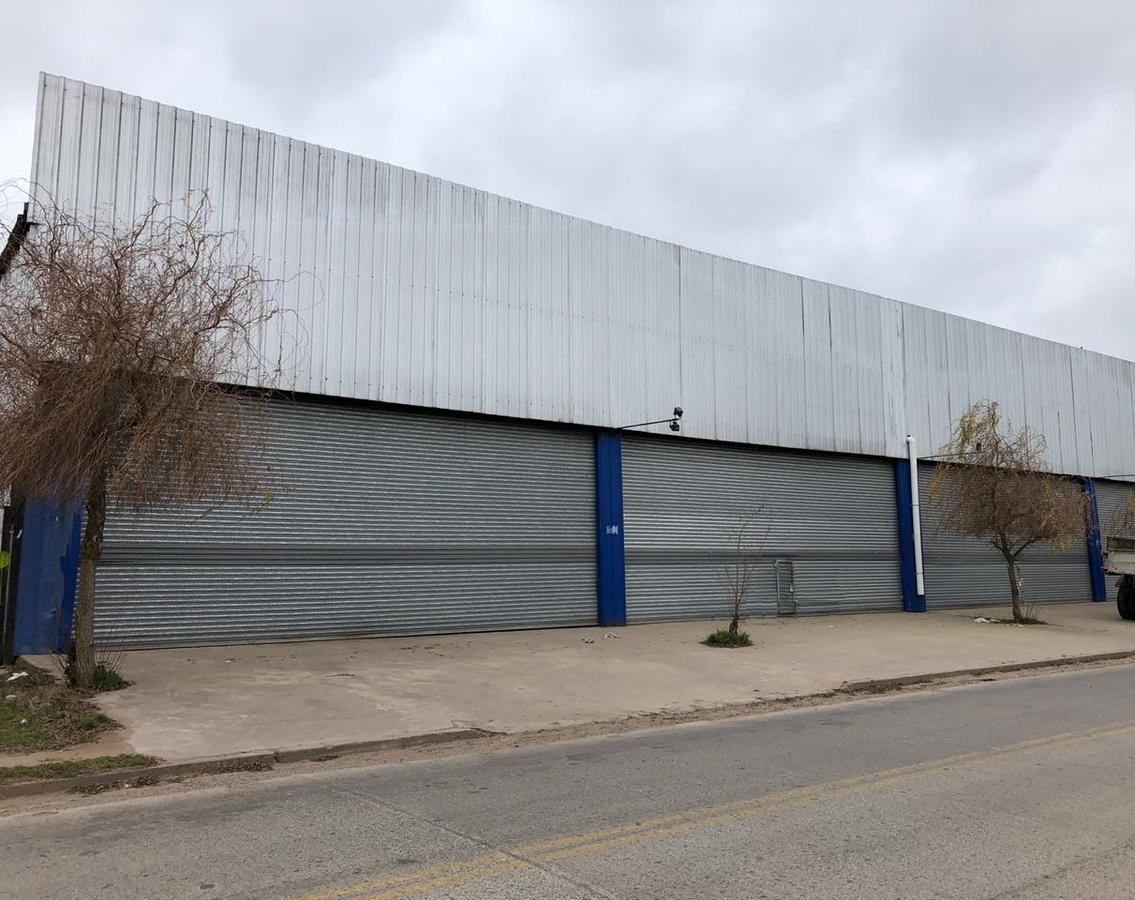 Foto Local en Alquiler en  General Rodriguez ,  G.B.A. Zona Oeste  Acceso Oeste Colectora Norte esquina el Sauce