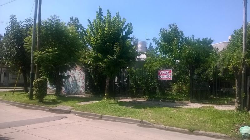 Foto Casa en Venta en  San Jose,  Lomas De Zamora  Río Negro al 500