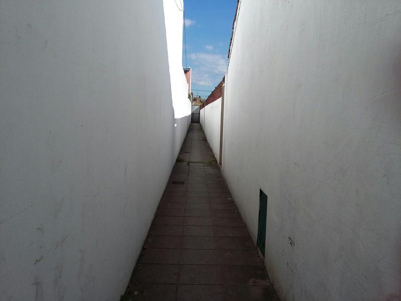 Foto PH en Venta en  Lomas de Zamora Este,  Lomas De Zamora  PINTOS al 200