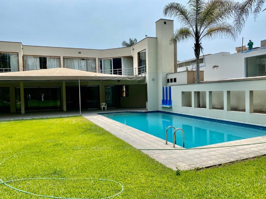 Foto Casa en Venta | Alquiler en  Santiago de Surco,  Lima  LAS TIPAS al 100