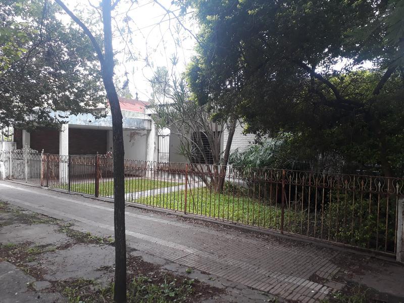 Foto Casa en Venta en  San Miguel De Tucumán,  Capital  Mendoza al al 3400