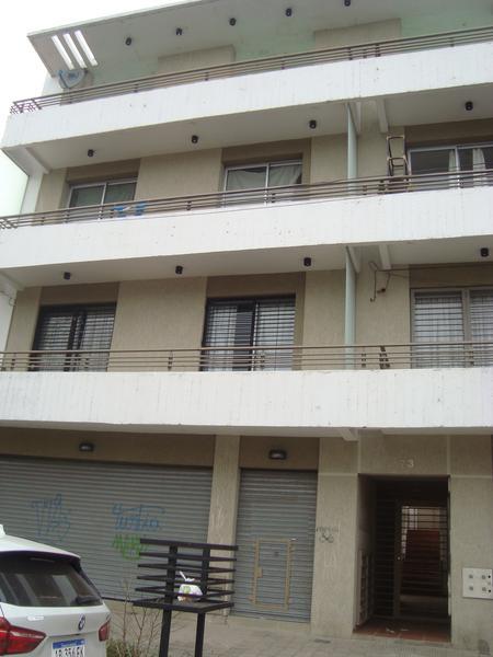 Foto Departamento en Alquiler en  La Plata ,  G.B.A. Zona Sur  64 entre 120 y 121