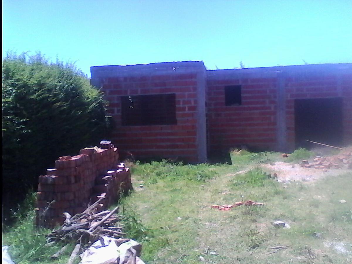 Foto Terreno en Venta en  Lobos,  Lobos  CONSTITUCION 1000