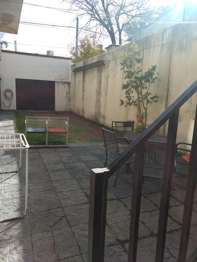Foto Casa en Venta en  Macrocentro,  Rosario  PUEYRREDON 2800-GRAN PATIO CESPED-IMPECABLE