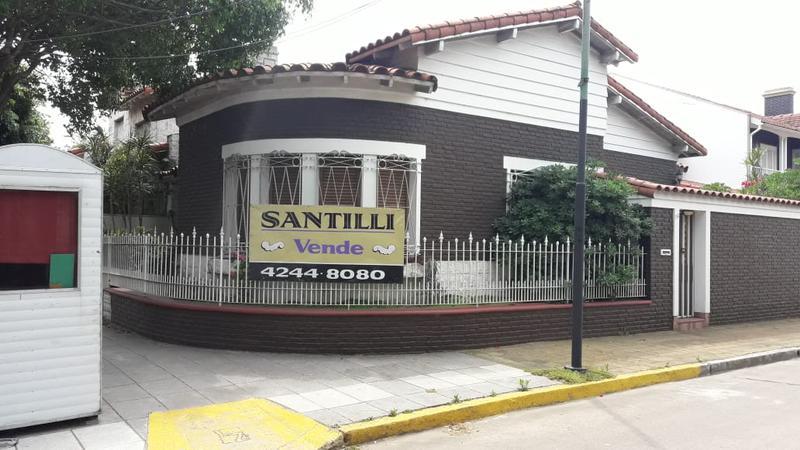 Foto Casa en Venta en  Lomas de Zamora Oeste,  Lomas De Zamora  LEANDRO N. ALEM 761