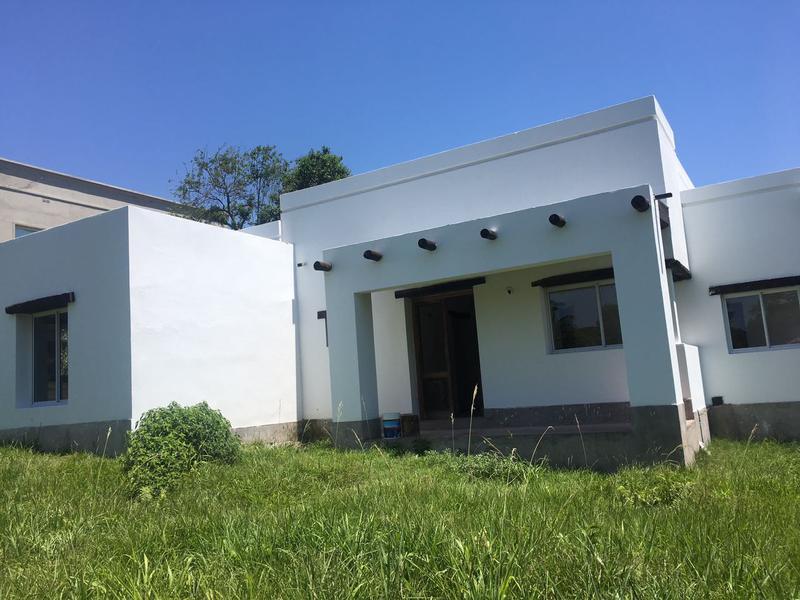 Foto Casa en Alquiler en  Yerba Buena ,  Tucumán  Country Los Azahares