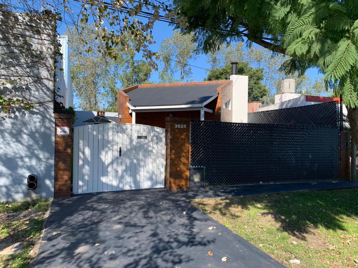 Foto Casa en Venta en  Manuel B Gonnet,  La Plata  508 y 25- Manuel B Gonnet-La Plata