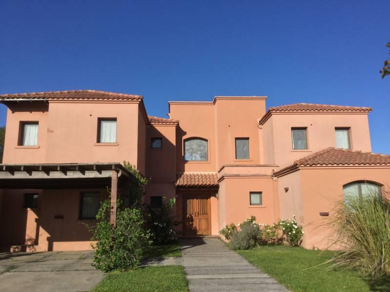 Foto Casa en Venta en  Estancias Del Pilar,  Countries/B.Cerrado (Pilar)  Estancias del Pilar - Barrio Golf - Pilar