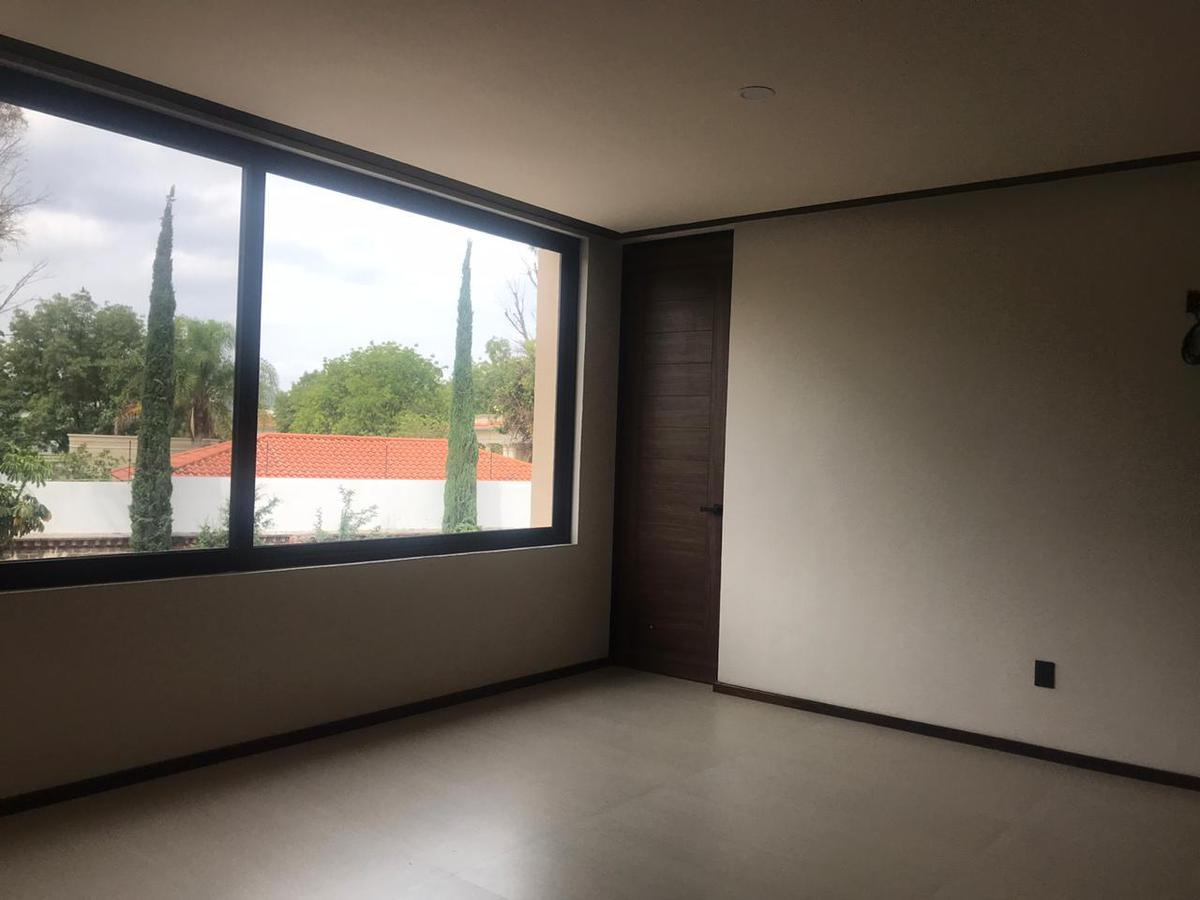 Foto Casa en Venta en  Residencial Huertas El Carmen,  Corregidora  VENTA CASA NUEVA EXCLUSIVO RESIDENCIAL HUERTAS DEL CARMEN QRO. MEX.