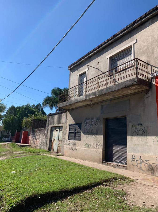 Foto Casa en Venta en  Burzaco,  Almirante Brown  Asamblea 411