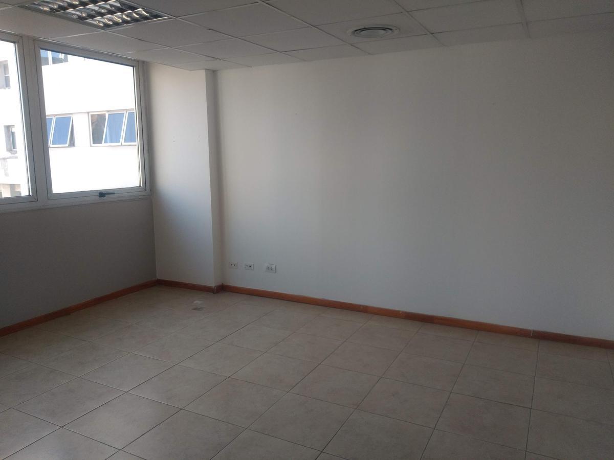 Foto Oficina en Alquiler en  Nueva Cordoba,  Capital  Av.Velez Sarsfield al 500