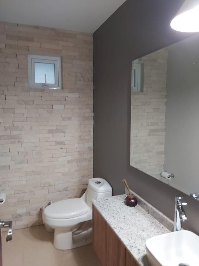 Foto Casa en condominio en Venta   Renta en  San Miguel Totocuitlapilco,  Metepec  Condado Del Valle Metepec Estado de Mexico