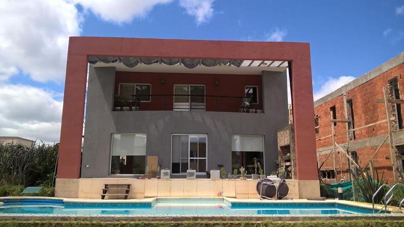 Foto Casa en Venta en  Adrogue,  Almirante Brown  Soler esq. Pino. Brisas de Adrogue L 128