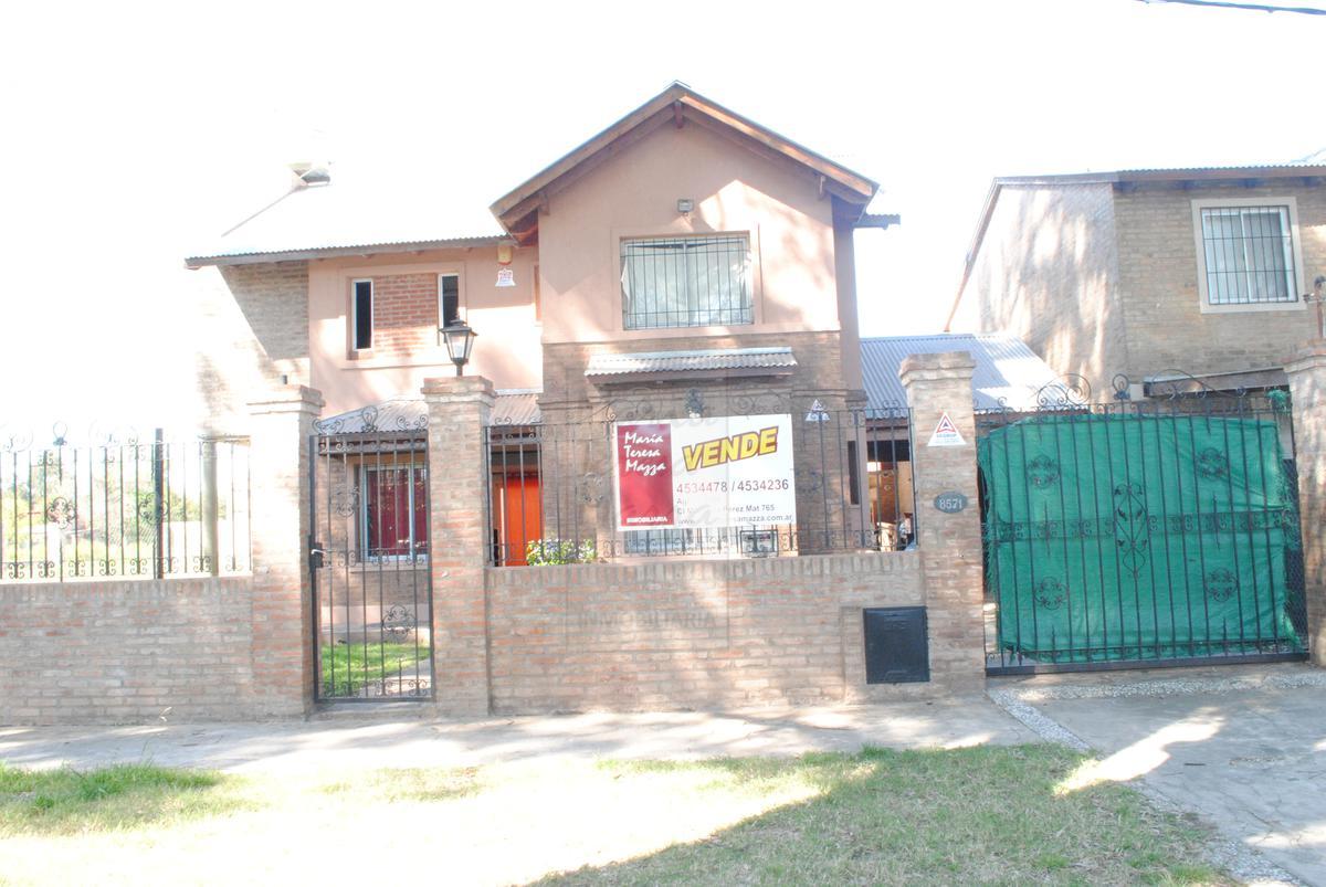 Foto Casa en Venta en  Fisherton,  Rosario  La República al 8500